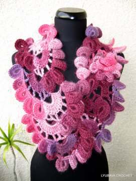 Lyubava crochet scarf pattern