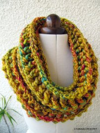 Chunky Mustard Cowl easy crochet pattern