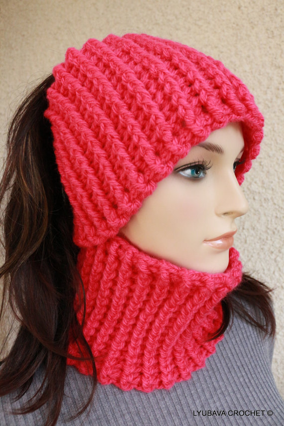 Ear Wormer Neck Warmer, Headband. Fast & Easy Crochet Pattern.